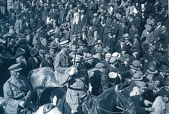 António de Oliveira Salazar - Military procession of General Gomes da Costa and his troops after the 28 May 1926 coup d'état.