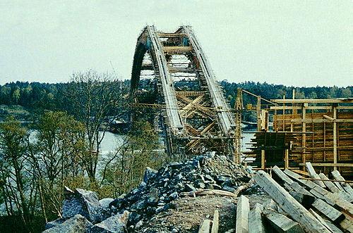 Djuröbron byggs 1961.jpg