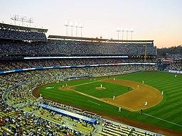 Dodger Stadium (16188933601)