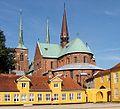 Domkirke Roskilde fra bispegaarden.jpg