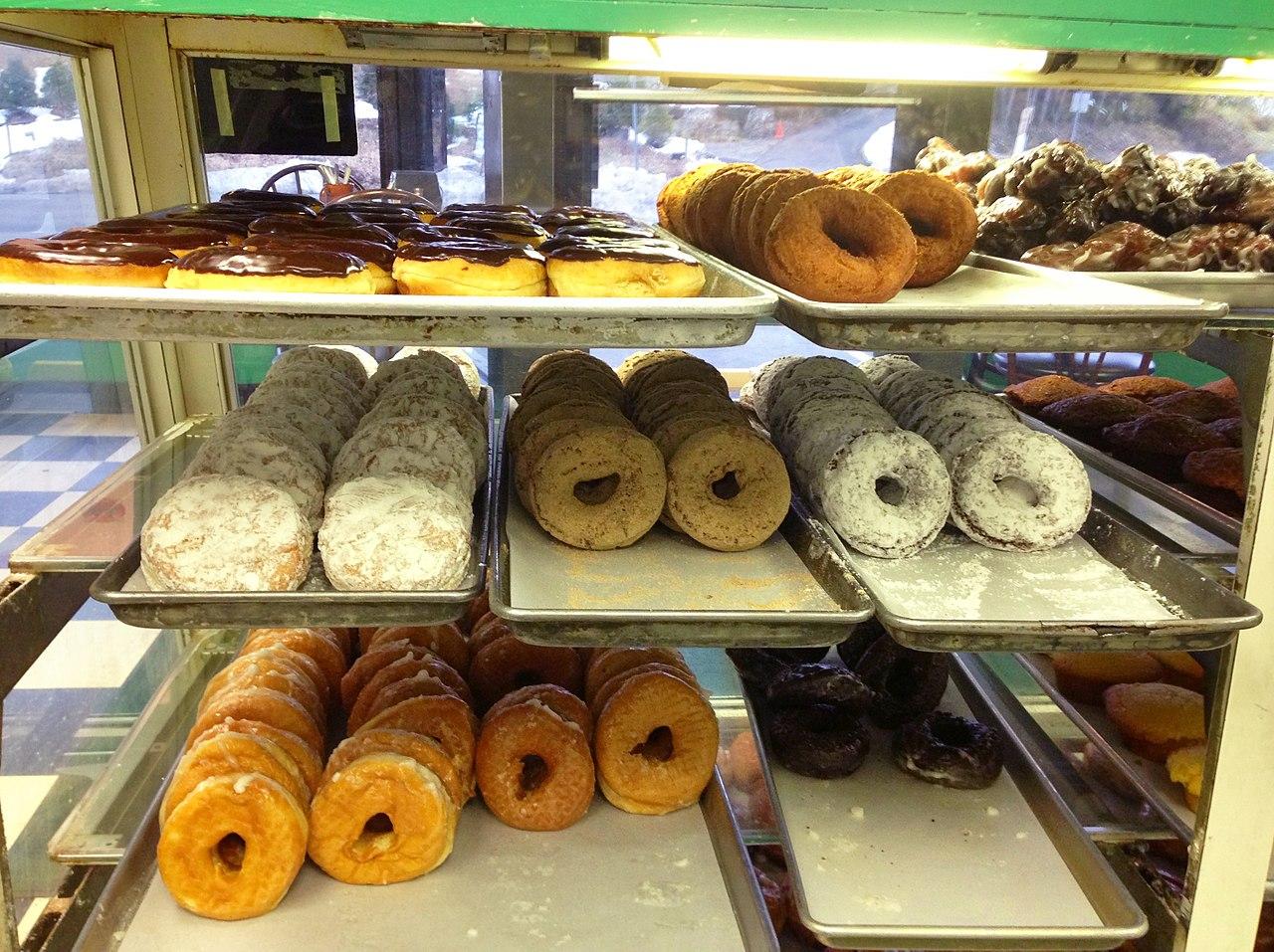 File:Donuts (Coffee An), Westport, CT 06880 USA - Feb 2013 ...