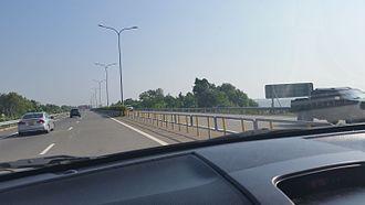 Transport in Sri Lanka - Typical dual carriageway E class road