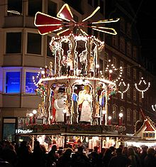 Christmas pyramid - Wikipedia