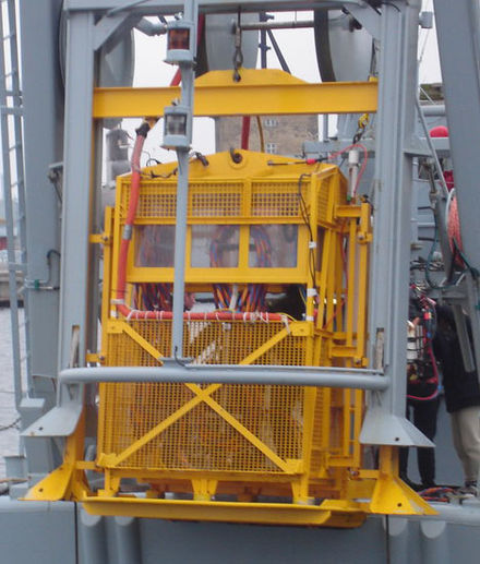 Open diving bell on a stern mounted launch and recovery system Dykkerklokke.jpg