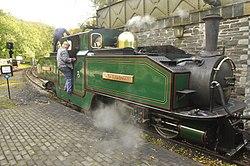 Earl of Merioneth at Tan-y-Bwlch railway station (8184).jpg
