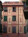 Edificio decorato del centro di Rapallo.jpg