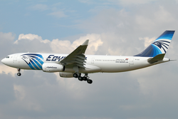 EgyptAir Airbus A330-200 SU-GCE FRA 2010-10-01.png