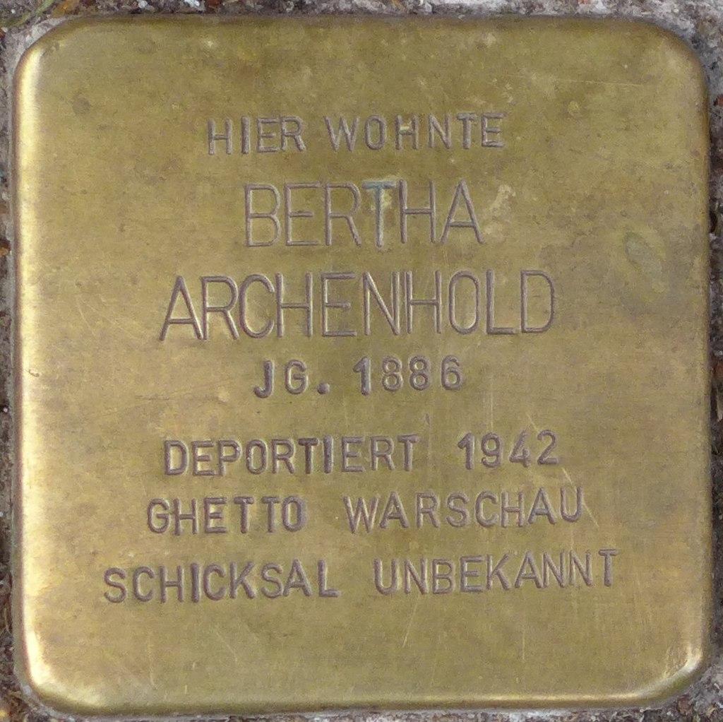 Einbeck Stolperstein Bertha Archenhold (cropped).jpg