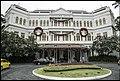 Entrance to Raffles Hotel Singapore-1 (24014326852).jpg