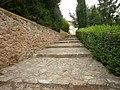 Escaleras que unen el merendero con la Ermita - panoramio.jpg