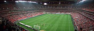 Football in Portugal - Image: Estádio da Luz em dia de jogo