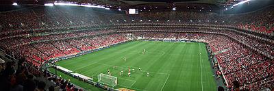 Estádio da Luz em dia de jogo