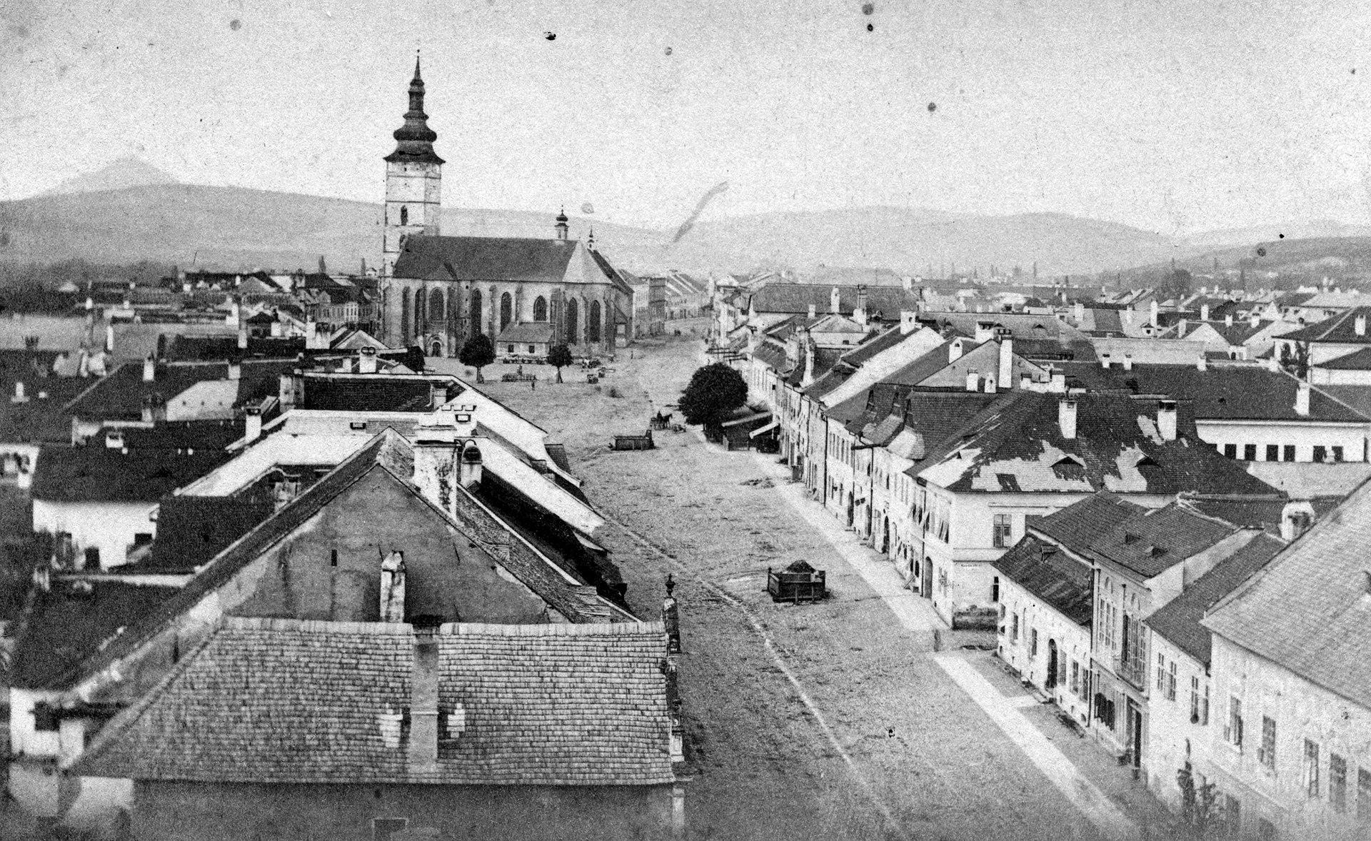 Fő utca és a Szent Miklós-székesegyház a görög katolikus templom tornyából. (A kép 1886 előtt készült) Fortepan 22940.jpg