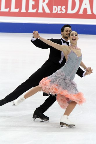 Compulsory dance - Federica Faiella and Massimo Scali performing the Golden Waltz at the 2010 World Championships
