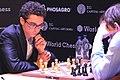 Fabio Caruana beim Kandidatenturnier Berlin 2018 in der 6. Runde gegen Alexander Grischtschuk.jpg