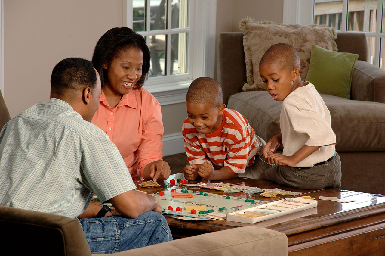 File Family Playing Board Wikimedia Commons