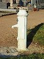 Faverelles-FR-45-fontaine du cimetière-01.jpg