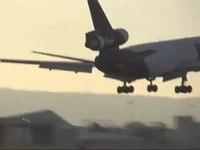 File:FedEx Express DC-10-30 Landing at PDX.ogv