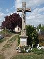 Felső temető, kőkereszt, 2019 Heves.jpg