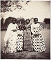 Femmes Betsimisaraka, Madagascar MET DP144486.jpg