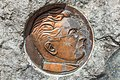 Ferlach Hauptplatz Perkonig-Denkmal Bronze-Relief 07062015 2493.jpg