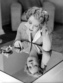 Description de l'image  Film star Helen Twelvetrees, ca. 1936-7.jpg.