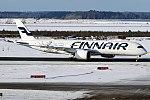 Finnair (Christmas Livery), OH-LWD, Airbus A350-941 (40637716101).jpg