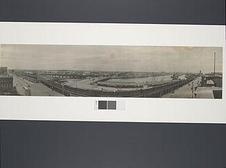 Flinders Street, Melbourne - Image: Flinders St. Viaduct & the River Yarra, Melbourne
