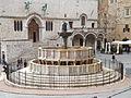 Fontana Maggiore - Piazza IV Novembre 01.jpg