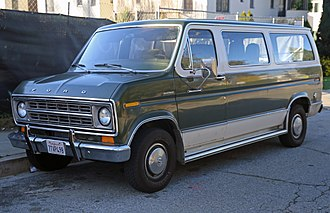 Ford E series - 1975–1978 Ford Econoline 150 Chateau