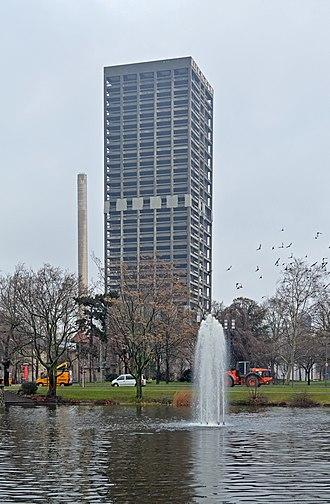 AfE-Turm - Image: Frankfurt, Af E Turm Sprengung (1)