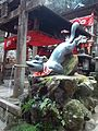 Fushimi Inari-taisha Shintô Shrine - Inari fox statue2.jpg