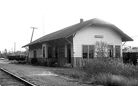 G. M. and O. Depot, Scooba, Miss., November 1975 (30320030791).jpg