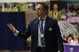 George Dikeoulakos Greek basketball coach