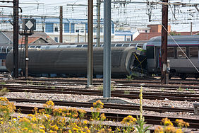 The derailed 4th carriage of the train that crashed at the Brétigny station