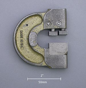 Go/no go gauge - Snap go/no-go gauge for the OD of a cylindrical workpiece