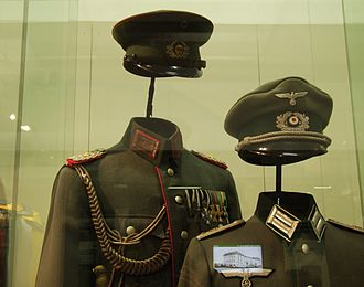 Bundeswehr Military History Museum - Image: German military uniforms (Reichswehr and III Reich) Dresden