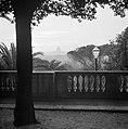 Gezicht vanaf Pincio op de zonsondergang met in het midden de Sint-Pietersbasili, Bestanddeelnr 254-5547.jpg
