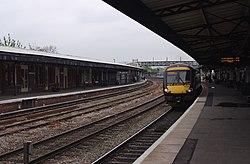 Gloucester railway station MMB 43 170639.jpg