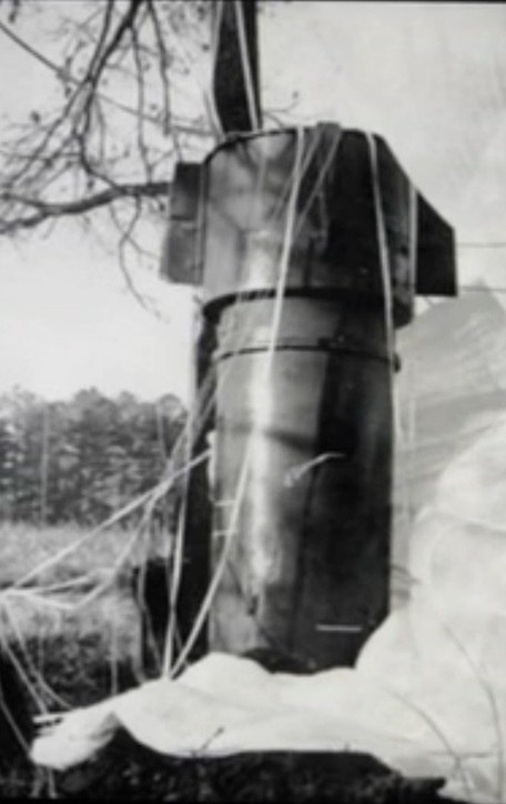 Goldsboro Mk 39 Bomb 1-close-up.jpeg