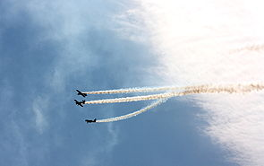 Goraszka 2010 Flying Bulls Aerobatic Team (3).jpg
