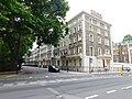Gordon Square (east side), London 1.jpg