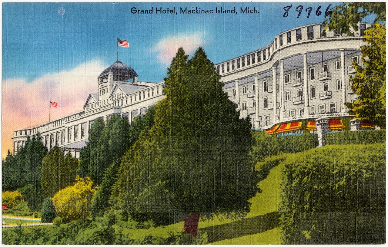 Mackinac Island Hotels With Kitchen