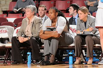 Yolanda Griffith - Yolanda Griffith coaching from the sidelines