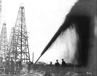 John Warne Gates - Oil gusher at Port Arthur, Texas, 1901