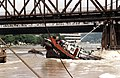 HBdia393 Schiffswrackbergung Brücke Karlsruhe-Maxau.jpg