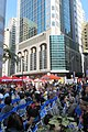 HK 上環 Sheung Wan 摩利臣街 Morrison Street 永樂街 Wing Lok Street public square 假日行人坊 Holiday bazaar visitors November 2018 SSG 06.jpg