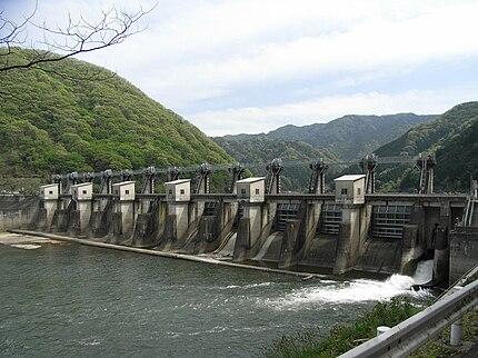 浜原ダム(島根県・江の川水系江の川。