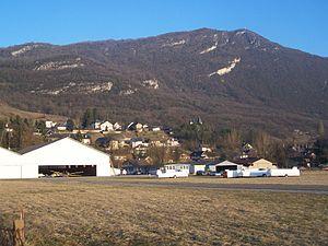 Chambéry Aerodrome - Image: Hangar aéroport Challes les Eaux