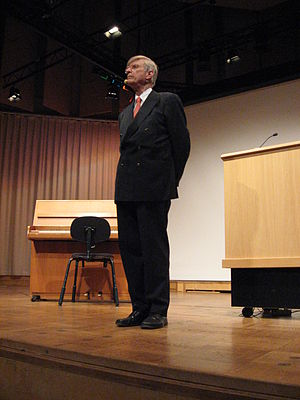 Herbert Blomstedt - Blomstedt giving a lecture on Brahms' choral music during the Choral festival in Lund, Sweden 2008.